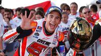 Pebalap Repsol Honda, Marc Marquez, memastikan diri sebagai juara dunia musim 2016 setelah memenangi balapan MotoGP Jepang di Twin Ring Motegi, Minggu (16/10/2016). (Bola.com/Twitter/box_repsol)
