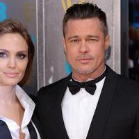 Angelina Jolie dan Brad Pitt mengumumkan perpisahan pada September 2016 usai 10 tahun bersama dan 2 tahun pernikahan. (In Touch Weekly)