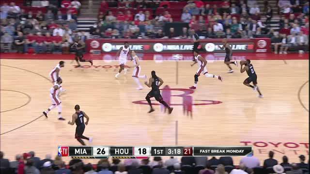 Berita video game recap NBA 2017-2018 antara Houston Rockets melawan Miami Heat dengan skor 99-90.