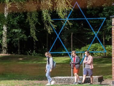 Mengunjungi Kamp Konsentrasi Nazi di Polandia
