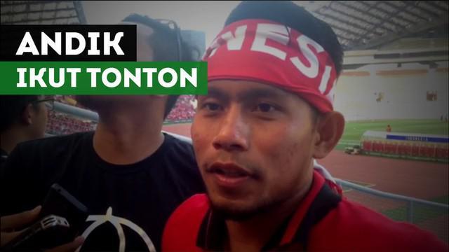 Berita video pemain Timnas Indonesia, Andik Vermansah, ikut tonton langsung laga Timnas Indonesia U-22 melawan Kamboja di SEA Games 2017.