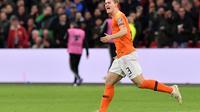 Matthijs de Ligt saat membela Timnas Belanda dan kini santer dikaitkan dengan Barcelona (EMMANUEL DUNAND / AFP)