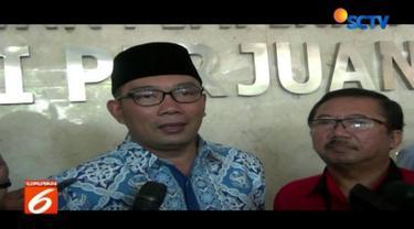 Wali Kota Bandung Ridwan Kamil menjalani silaturahmi politik dengan mendatangi Kantor DPP PDI Perjuangan.