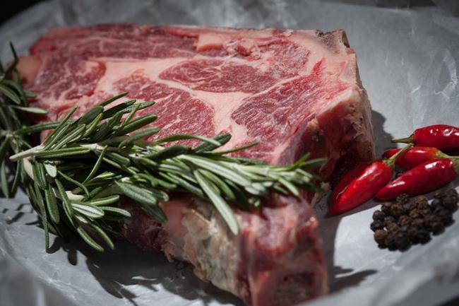 Daging yang dimarinasi bisa lebih awet./Copyright pexels.com/mali maeder