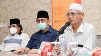 Calon Gubernur Sumatera Barat (Sumbar) nomor urut 1 Mulyadi (tengah). (Ist)