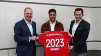 Serge Gnabry sepakat bertahan di Bayern Munchen hingga Juni 2023. (dok. FC Bayern Munchen)