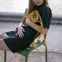 Alfeya Valrina sukses ranang tas yang jadi trending saat ini.
