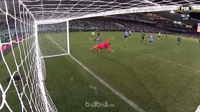 Melbourne Victory menang 3-2 lewat perpanjangan waktu atas Sydney FC untuk memastikan tempat di babak final A-League melawan Newca...
