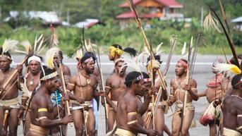 10 Ciri-Ciri Ras Melanesoid, Asal Usul, dan Peninggalan Budaya yang Dimiliki