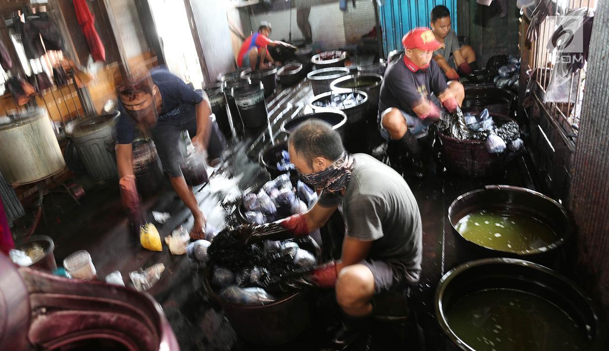 FOTO Melihat Proses Pembuatan Kain Adat Suku Banjar Di