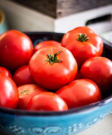 Tomat untuk kecantikan kulit. (Unsplash.com/Deniz Altindas).