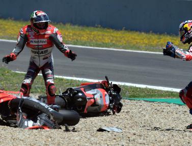 Insiden Tabrakan Beruntun di MotoGP Spanyol