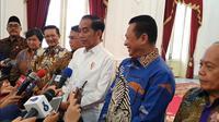 Pimpinan MPR RI mengantarkan undangan kepada Presiden Joko Widodo untuk dilantik menjadi Presiden Republik Indonesia 2019-2024, bersama KH Maruf Amin sebagai Wakil Presiden.