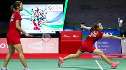 Ganda Putri Thailand, Jongkolphan Kititharakul/Rawinda Prajongjai, saat melawan wakil Indonesia, Greysia Polii/Apriyani Rahayu, pada laga Thailand Terbuka, Minggu (17/01/2021). Greysia/Apriyani mengalahkan pasangan tuan rumah dengan skor 21-15, 21-12. (AFP/BADMINTON ASSOCIATION OF THAILAND)
