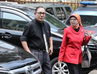 Ibu Ario Kiswinar Datangi Resmob Polda Metro Jaya