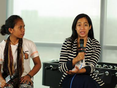 Produser dan Sutradara film dokumenter Tanah Mama berkunjung ke kantor redaksi Liputan6.com, Jakarta (9/1/2015). (Liputan6.com/Helmi Fithriansyah)