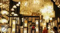 Sejumlah produk unggulan Indonesia di pamerkan dalam Trade Expo Indonesia 2016 di JIExpo Kemayoran, Jakarta, Kamis (13/10). Tujuan TEI 2016 memberikan informasi dan solusi kepada dunia usaha terkait perdagangan internasional. (Liputan6.com/Faizal Fanani)