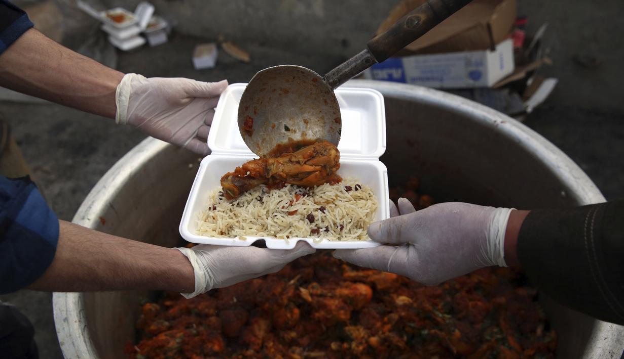 Foto Berbagi Makanan Buka Puasa Saat Ramadan Di Afghanistan Ramadan Liputan6 Com