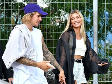 Justin Bieber dan Hailey Baldwin dikabarkan sudah mendaftarkan pernikahan mereka. (Rodin Banica-WWD-REX-Shutterstock/E!)