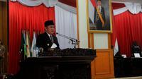 Gubernur Sumsel Herman Deru saat menghadiri Rapat Paripurna ke-56 di kantor DPRD Sumsel (Dok. Humas Pemprov Sumsel / Nefri Inge)