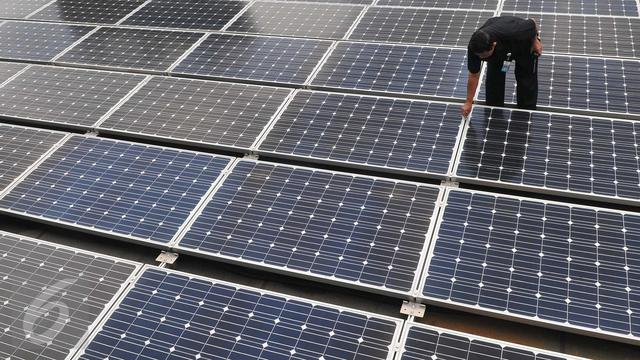 20160302-Ilustrasi energi terbarukan panel surya.