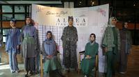 Berikut koleksi busana dengan sentuhan semangat muda dari desainer Itang Yunasz. (Foto: Muara Badgja)