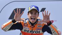 Pembalap Repsol Honda, Marc Marquez, menyebut kunci memenangi MotoGP Jerman terletak pada pemilihan ban yang tepat. (AFP/Tobias Schwarz)