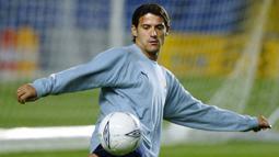 Dejan Stankovic. Didatangkan dari Red Star Belgrade pada awal musim 1998/1999 dan meninggalkan Lazio setelah musim 2003/2004. Selama total 6 musim telah bermain sebanyak 208 penampilan dan mencetak 33 gol. Saat ini menjadi manajer tim Red Star Belgrade. (AFP/Adrian Dennis)