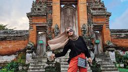 Vindy kini sering aktif diundang di berbagai cara make up baik di Malang, Surabaya, Jakarta hingga daerah lainnya. Selain itu, Vindy juga kerap berpenampilan dengan make up flawless. (Liputan6.com/IG/@inivindy)