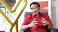 Pembina Bara Baja Djarot Saiful Hidayat saat wawancara di kantor KLY, Jakarta, Rabu (19/9). Djarot adalah politisi PDI Perjuangan yang pernah menjabat sebagai anggota DPR RI periode 2014-2019. (Liputan6.com/Herman Zakharia)