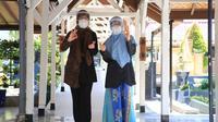 Dokter spesialis paru RSUD Blambangan Banyuwangi, dr. Ririek Perwitasari Sp.P. bersama Dokter spesialis patologi klinik, dr Roudhotul Ismaillya Noor Sp.PK.