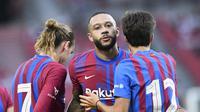 Memphis Depay rayakan gol Barcelona saat lawan Stuttgart (AFP)
