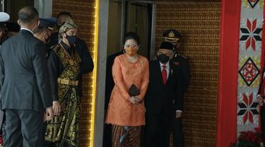 Ketua DPR Puan Maharani hadir dengan mengenakan kebaya oranye di Sidang Tahunan MPR 2020. (Istimewa)