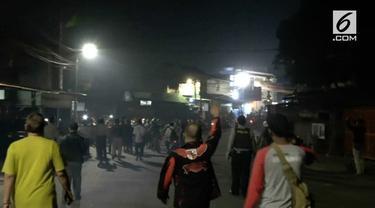Kamis dini hari (31/5) terjadi bentrokan antar dua ormas yang berasal dari FBR dan Pemuda Pancasila akibat perebutan lahan parkir.