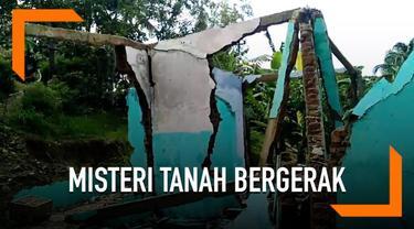 Fenomena tanah bergerak terjadi di Banyumas dan merusak puluhan rumah. Warga diimbau untuk meninggalkan rumahnya masing-masing.