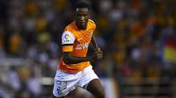 1. Fabrice Olinga – 16 tahun, 3 bulan, 6 hari: Málaga vs RC Celta (2012/13): Pemain asal Kamerun yang ketika itu berusia 16 tahun mencetak sejarah di pertandingan pembuka musim 2012/13 dengan mencetak satu-satunya gol dalam debutnya untuk klub Málaga dalam laga melawan RC Celta. (La Liga)