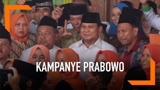 Kedatangan Capres 02 Prabowo Subianto ke Jombang disambut oleh para pendukung capres 01 Joko Widodo. Namun hal tersebut tidak mengganggu kunjungan Prabowo ke salah satu Pondok Pesantren di Jombang