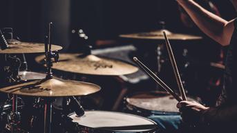 Miliki Gangguan Pendengaran, Anak Ini Mampu Menemukan Irama Drum