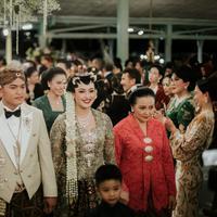 Kebaya pengantin rancangan Didiet Maulana (Dok. Owlsome Photography)