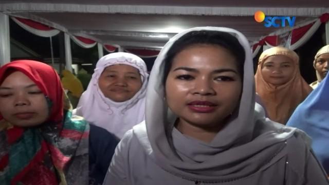 Cawagub Jatim, Puti Guntur Soekarno: Biasanya sahur bersama keluarga, kali ini saya sempatkan sahur bersama warga di sini.