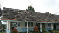 Gempa merusak gedung sekolah dan rumah di Kalibening, Banjarnegara. (Foto: Liputan6.com/SRU Banjarnegara/Muhamad Ridlo)