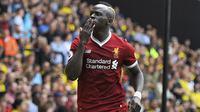 Selebrasi pemain Liverpool, Sadio Mane saat mencetak gol ke gawang Watford pada laga Premier League di Vicarage Road, Watford, (12/8/2017). Liverpool bermain imbang 3-3. (Daniel Hambury/PA via AP)