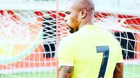 Di tengah ketidakpastian yang melanda klubnya, BEC Tero Sasana, Greg Nwokolo memilih mengganti nomor punggungnya. (Facebook)