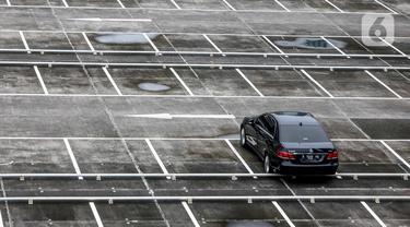 FOTO: Bisnis Parkir Terimbas Pandemi COVID-19