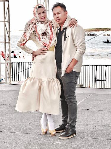 [Bintang] Angel Lelga dan Vicky Prasetyo