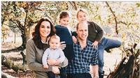 Kate Middleton dan Pangeran William bersama ketiga anak mereka. (dok.Instagram @_kate_middleton_royal/https://www.instagram.com/p/B-NixKmndbV/Henry)