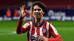 2. Joao Felix (100 juta euro) - Penyerang berusia 21 tahun ini terus menunjukan performa terbaiknya di kompetisi Liga Spanyol. Joao Felix telah menyumbangkan lima gol dan tiga assists dari delapan laganya bersama Atletico Madrid musim ini. (AFP/Pierre-Philippe Marcou)