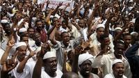 Aksi protes besar-besaran di ibu kota Sudan, menuntut pemerintahan Omar al-Bashir turun dari jabatannya (AFP/Ebrahim Hamid)