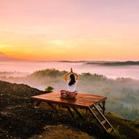 ilustrasi perempuan yoga/Photo by Samuel Silitonga from Pexels