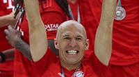 Arjen Robben melakoni laga terakhirnya bersama Bayern Munchen Bayern Munchen saat bersua Eintracht Frankfurt pada pertandingan pekan ke-34 Bundesliga Jerman di Allianz Arena, Sabtu (18/5/2019). (AP Photo/Matthias Schrader)